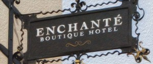 enchante-sign_.jpg.1140x481_default